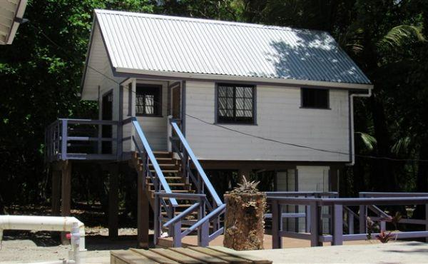 Blue Moon Beach House - west cabin
