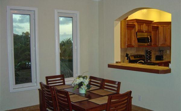 Las Brisas at Paradise Cove - Dining area