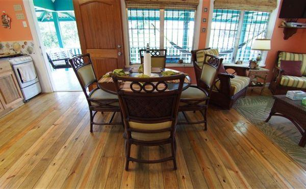 The Ranch - Dining area