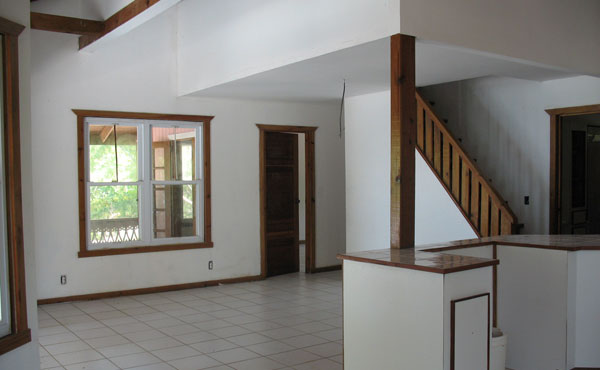 2.14 Acre Beachfront - Unfinished House - Living Room