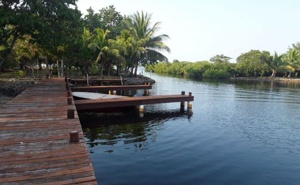 Lot #6 at Coconut Cove with Boat Slip (1)