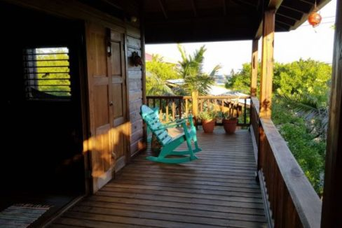 Old Airport Beach House - Photo 6